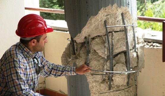 verifiche-agibilità-e-danni-sisma-tecnici-edilizia-lavoro.jpg
